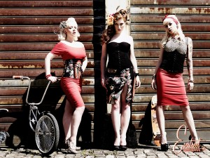 Mamaliscious Clothing by Evestreet, Make-up and hair by FoxyChris